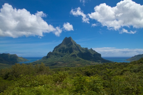 Opunohu Bay on the left, Cook's Bay on the right, Mt. Rotui in the center, Moorea,  9/26/14